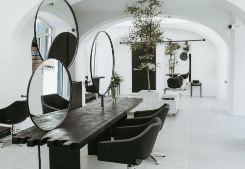 Interiér kadeřnického salonu Jindřišská