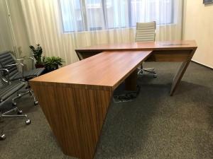 truhlarstvi-kancelarsky-nabytek-praha-05