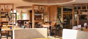nabytek-zarizeni-restauraci-12