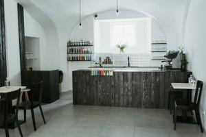 kadernicky-salon-vyroba-interier-nabytek-jindrisska-22