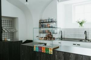 kadernicky-salon-vyroba-interier-nabytek-jindrisska-24