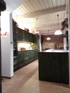truhlarstvi-kuchyne-zelena-01