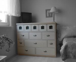 Nábytek - komody, skříně, solitéry